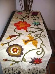 Resultado de imagen para almohadones bordados mariana