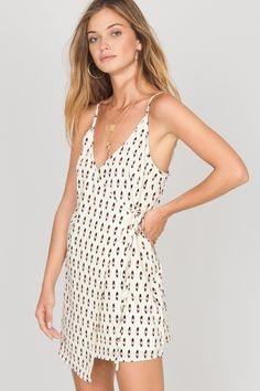 The Hayward Dress is a printed woven with functional side tie entry and is fully lined.