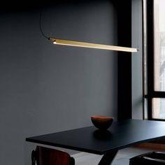 Luceplan Compendium lampada a sospensione dal design pulito e sofisticato.