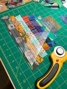 Cheeky Cognoscenti: Scrappy Thousand Pyramids Plan, Pineapple Paper Peeling Progress, and a Batting Query Colchas Quilt, Crumb Quilt, Scrappy Quilt Patterns, Jellyroll Quilts, Scrappy Quilts, Easy Quilts, Quilt Blocks, Quilting Tips, Quilting Tutorials