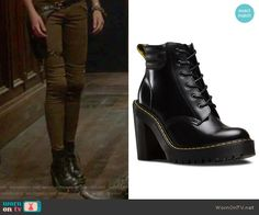 Clary's black high heel boots on Shadowhunters.  Outfit Details: https://wornontv.net/65457/ #Shadowhunters