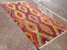 Geometric pattern Large Kilim rug 143 x 78 by PocoVintage on Etsy