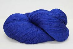 Z13-300g-100-REINE-SEIDE-PURE-SILK-SAPHIRBLAU-68-2-Zwirn-Wolle-Strick-Garn,  en dan deze kleur!  Ook 10000m p.str. 70 toeschouwers op za avond!