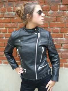 Red Leather, Zip Ups, Leather Jackets, Sexy, Womens Fashion, People, Clothes, Girls, Beautiful