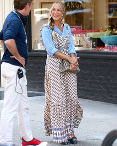 What To Wear Today, Who What Wear, How To Wear, Hippie Braids, Gossip Girl Reboot, City Outfits, And Just Like That, Carrie Bradshaw, Summer Trends