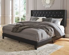 Vintasso Bed Tastefully edited lines with distinctive button tufting, elegantly proportioned wings and a double row Upholstered Platform Bed, Upholstered Beds, King Beds, Queen Beds, Queen Room, Camas King, Wingback Headboard, Mattress Springs, Headboards