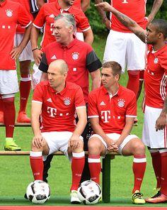 Bayern Munich's Dutch midfielder Arjen Robben Bayern Munich's Italian headcoach Carlo Ancelotti Bayern Munich's defender Philipp Lahm and Bayern...