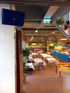Atelier bar & restaurant, de nieuwe hotspot van Amsterdam. Deze nieuwe locatie in de Schinkel wil je niet missen. Lunchen, borrelen, dineren of dansen, Atelier is the place to be.