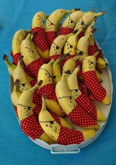 Wetten, dass eure Kleinen diese Piraten-Bananen auf dem Schulhof viel lieber verspeisen werden?!