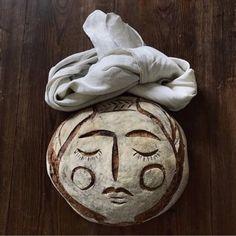 moon Bread Head, Bread Art, Face Baking, Bread Baking, Tasty Bakery, Eat Together, Amazing Paintings, Sourdough Bread, Edible Art