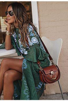 Justfashionnow Sommerkleid Tageskleider V-Ausschnitt Glockenärmel Vintage Kleider, Source by bealinchen sundress outfit Sundress Outfit, Boho Outfits, Summer Outfits, Fashion Outfits, Summer Sundresses, Looks Hippie, Boho Fashion, Womens Fashion, Fashion Trends