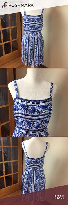 Ann Taylor Loft Pleated Pineapple Sundress Size 8 Ann Taylor LOFT blue and white sleeveless pineapple sundress size 8. Ann Taylor LOFT Dresses