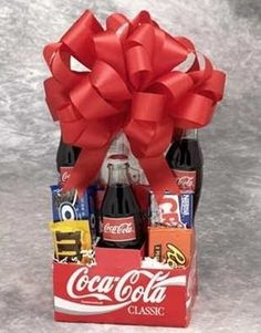 Teenagers gift basket with a movie pass. This site has many gift basket ideas! - Click image to find more Holidays & Events Pinterest pins