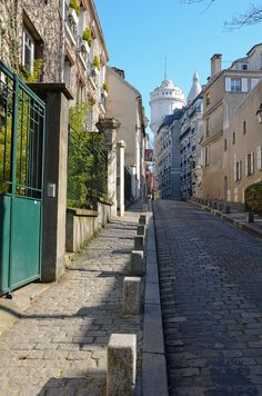 Rue Cortot / Paris