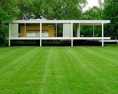 Mies van der Rohe - Farnsworth House - Plano, Illinois, U. Architecture Images, Amazing Architecture, Interior Architecture, Farnsworth House, Ludwig Mies Van Der Rohe, Mid Century House, Glass House, Illinois, Bungalow