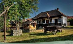Image result for székely tornácos ház Old Houses, Farmhouse, Cabin, House Styles, Pictures, Hungary, Culture, Facebook, Home Decor