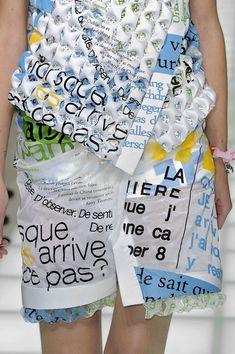 Balenciaga at Paris Fashion Week Fall 2010 - Details Runway Photos Anti Fashion, Look Fashion, Fashion Art, Editorial Fashion, Paris Fashion, Fashion Design, Fashion Details, A Level Textiles, Recycled Fashion