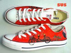 Zapatos pintados a mano - Converse con bicicleta y enamorados