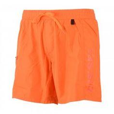 Deze oranje zwembroek voor heren van Diesel is een mooie oranje korte broek met een mesh binnenbroek. De ze oranje zwembroek is voorzien van een elastische tailleband met aantrekkoord aan de buitenzijde en een zak met ritssluiting op de rechter broekspijp. Door het Diesel Fold & Go systeem is deze oranje zwembroek van Diesel gemakkelijk op te vouwen en op te bergen.