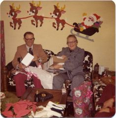 Inez & Ralph's holiday wasn't completed until the Melted Popcorn Santa & Reindeer made their appearance on the living room wall.