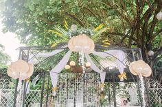 Tip Tuesday: How To Attain A Beautiful Filipiniana Themed Wedding - Merry to Marry Diy Wedding Favors, Wedding Ideas, Filipiniana Wedding Theme, Wedding Prep, Getting Engaged, Pinoy, Filipino, Tuesday, Merry