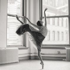 Photo © Karolina Kuras. Stephanie Williams, American Ballet Theatre