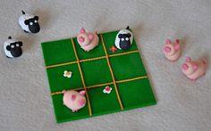 Magnifique jeu de morpion en pâte Fimo, cochons et moutons