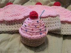 Sweet Oversized Cupcake Crochet Pincushion