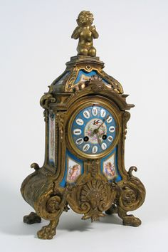 FRENCH LATE 19TH CENTURY GILT METAL SHELF CLOCK