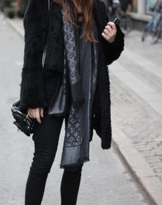 To Much Fun - Louis Vuitton Scarf - oh my must have