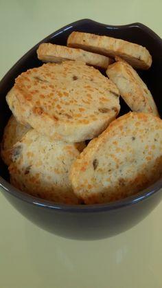 Sablé apéro aux anchois Crackers, Parmesan, Hummus, Entrees, Ethnic Recipes, Crinkles, Food, Appetizers, Food Cakes
