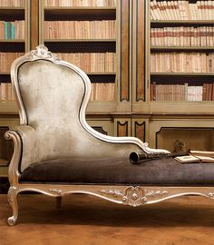 The Classic style French chaise longue available left or right facing and in customers own choice of leathers, fabrics and frame finishes. Silver Furniture, French Furniture, Luxury Furniture, Furniture Decor, Living Room Furniture, Living Room Decor, Furniture Design, Bedroom Decor, Royal Sofa