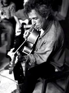 KEITH RICHARDS unplugged