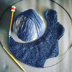 """Bonjour bonjour :) Aujourd'hui je vous propose de faire un tricot """"sans prise de tête"""" ! Pratique n'est-ce pas, pour les fois où vous vou..."""
