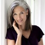 "455 Likes, 32 Comments - Liz Parks 🇺🇸🇧🇷 (@lizwparks) on Instagram: ""This summer is flying by! #letthesunshine #soakitin #summerbreeze #greyhair #greyhairdontcare…"""