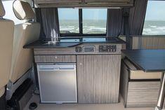campervan-conversions4 Campervan Interior Volkswagen, Vw Transporter Camper, Kombi Motorhome, T4 Camper, Build A Camper Van, Camper Interior, Campers, Vw T5, Campervan Conversions Layout