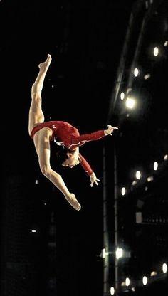 Kyla Ross, U. women's gymnastics has beautiful lines. Gymnastics Moves, Tumbling Gymnastics, Amazing Gymnastics, Gymnastics Photography, Gymnastics Pictures, Sport Gymnastics, Artistic Gymnastics, Olympic Gymnastics, Rhythmic Gymnastics