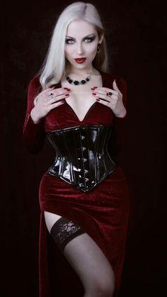 Female Vampire, Vampire Girls, Witch Fashion, Gothic Fashion, Gothic Girls, Steam Girl, Goth Model, Actress Jessica, Gothic Aesthetic