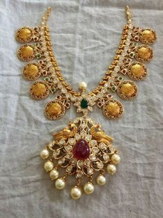 Gold Earrings Designs, Gold Jewellery Design, Necklace Designs, Gold Rings Jewelry, Wedding Jewelry, Jewelery, India Jewelry, Temple Jewellery, Short Necklace