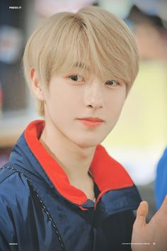 how does he do that hes just existing looking like a fucking masterpiece but how Nct 127, Jeno Nct, Taeyong, K Pop, Nct Dream Renjun, Nct Debut, Johnny Seo, All Meme, Huang Renjun