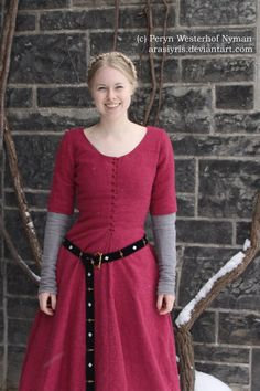 Medieval dress, for when there's work to be done.