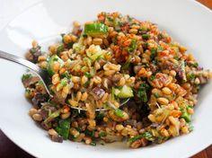 Whole-Grain Spelt Salad With Leeks and Marinated Mushrooms