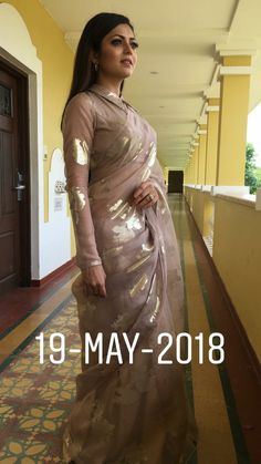 36 Ideas Style Clothes For Chubby Saree Draping Styles, Saree Styles, Blouse Styles, Saree Blouse Neck Designs, Saree Blouse Patterns, Royal Dresses, Indian Dresses, Indian Outfits, Latest Indian Fashion Trends
