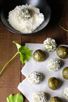 Matcha Cashew Coconut Energy Balls by Naked Cuisine. Raw Food Recipes, Lunch Recipes, Healthy Recipes, Keto Recipes, Healthy Sweets, Healthy Snacks, Healthy Eating, Vegan Sweets, Coconut Energy Balls
