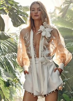 Flawless Summer Outfits Ideas For Slim Women That Looks Cool - Oscilling Couture Mode, Couture Fashion, Runway Fashion, Fashion Show, Womens Fashion, Fashion Tips, Fashion Design, Fashion Trends, Fashion Websites
