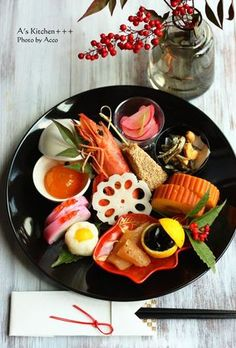 """Japanese traditional new year dish """"osechi"""" New Year's Food, Love Food, Japanese Dishes, Japanese Food, Food Design, Food Decoration, Mets, Sushi, Teller"""