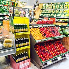 Omi's Apfelstrudel Display @ Merkur Markt Rewe Group Strawberry, Retail, Vegan, Fruit, Food, Apple Strudel, Essen, Strawberry Fruit, Meals