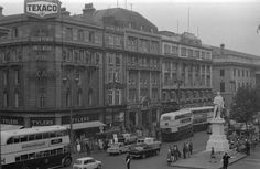 The Metropole. My mother stood in the street and sobbed as this was destroyed. Old Pictures, Old Photos, Restaurants In Dublin, Dublin City, Dublin Ireland, Old City, Movie Theater, Cinema, Scotland