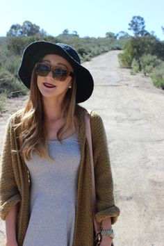 Floppy hat http://sundaythreds.blogspot.com/