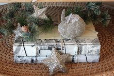 52 FLEA: A Tour of Evi's Christmas Cottage